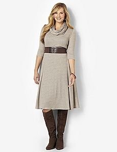 Sand-colored dress with thick black belt and chunky boots #plus_size_fashion Lovely style for Winter.