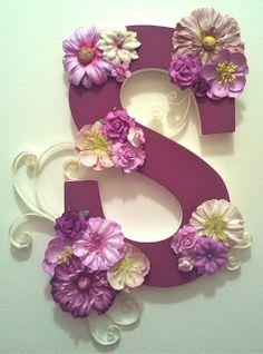 Decorated wooden letter with purple flowers and curly paper! DIY how-to at Paper and Teal.