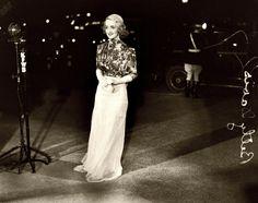 1930s Bette Davis at a premiere