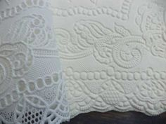 How to make fondant lace with a lace placemat