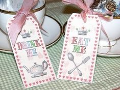 Drink Me, Eat Me - free printable tags and other Alice in Wonderland Party Ideas.