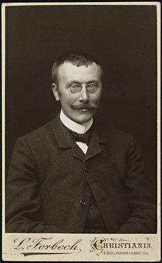 Portrett av Hans Aanrud by National Library of Norway, via Flickr