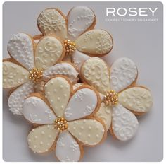 Lacy pattern flower cookies