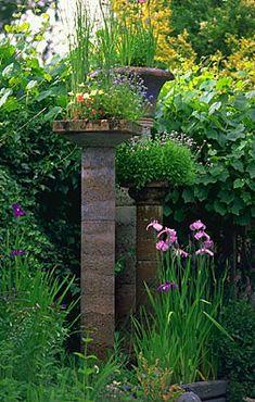 Garden columns, sculptor-designers Little and Lewis