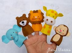 floral blossom blog: zoo friends felt finger puppets