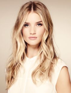 I want my hair to do the brunette version of this.... Is that a thing?? strawberry blonde, wave, rosi huntingtonwhiteley, highlight