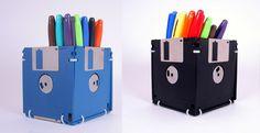 Floppy disc pen holders #DIY #GeekChic