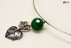 Collana con ciondolo in agata verde e foglie // Necklace with green agate and leaves by ARTELIER-PESARO via it.dawanda.com
