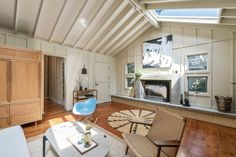 Photo 4 of 13 in An Idyllic Cottage With a Garden Studio Seeks $1.8M in San Francisco - Dwell