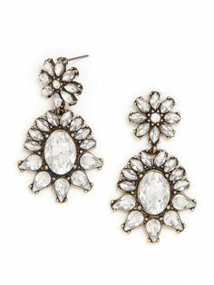 Chandalier Earrings full of sparkle
