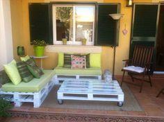 Chic Pallet Patio Furniture Idea | 99 Pallets