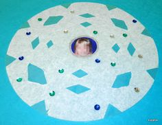 Tippytoe Crafts: Coffee Filter Snowflakes