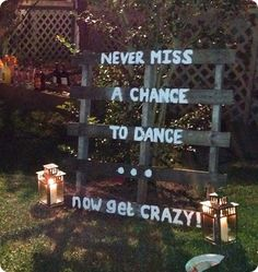 Weekly Wedding Inspiration: 15 Fresh Outdoor Wedding Ideas wedding receptions, dance floors, outdoor reception ideas, pallet signs, wood pallets, outdoor wedding reception, outdoor wedding ideas, outdoor weddings, parti