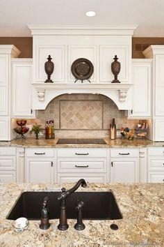 Traditional White Kitchen Cabinets #108 (Kitchen-Design-Ideas.org)