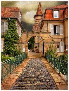 Stone path, Obernai, Alsace, France. Photo: Jean-Michel Priaux, via Flickr