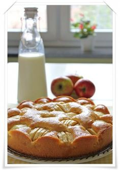 Tarta de manzana: http://www.pequerecetas.com/receta/tarta-de-manzana/