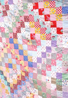 MessyJesse: Scappy Trip Along Quilt!  I am working on mine