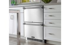 Top Floor counter/cabinet/fridge/freezer unit on the left or right as you look at bathroom from inside of the top room? MARVEL Professional Refrigerated Drawers (MPRO6RDE) #undercounter