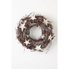 Twine & Berry Wreath With White Stars   Tips: http://www.jouwwoonidee.nl/kerstkrans-maken/