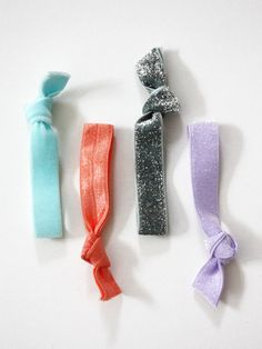 If you're looking for something super fun, quick and easy for your tweens to do this summer ....COLOR ME CAITIE: diy: hair ties #elastic #DIY #crafts