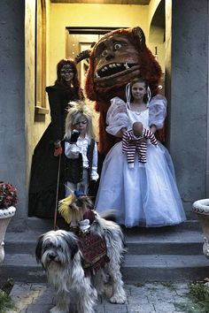 Labyrinth! Best Halloween Costumes That Take Advantage Of The Fact You Have Children | Happy Place