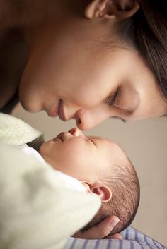mother && newborn session