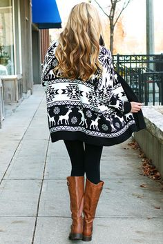 oversized holiday sweater. get student discounts on Fall fashion http://www.studentrate.com/Fashion-Discounts
