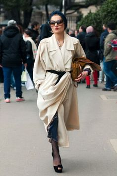 fashion, street style, couture, turban, catherin baba, trench, stylist, cream, coats