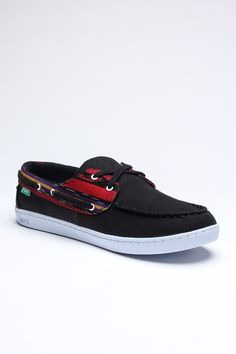 Benten Shoe / by KEEP