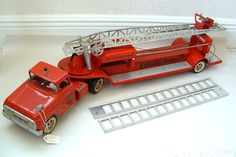 1962 TONKA HUGE FIRE LADDER TRUCK NICE CLEAN CONDITION