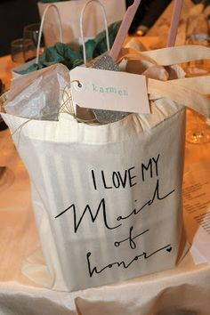 Maid of Honor gift bag. Would work for bridesmaids too. Love it!