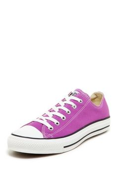 Purple Converse Chuck Taylor, yes please.
