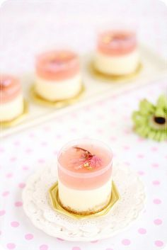 non-bake white chocolate cheesecake. the sakura jelly layer is tinted a lovely shade of pale pink with raspberry puree and then flavored with kirsch and sakura essence. i mentioned before that the sakura essence
