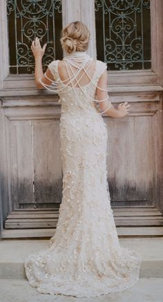 lace + pearls - absolutely stunning