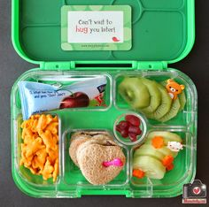 The first day of school lunches from mamabelly.com
