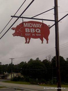 pig sign, bbq crawl, bbq sign, crawl season, midway bbq, porcin selfbutcheri