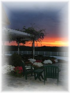 A beautiful sunset to enhance this idyllic weekend getaway for couples...  Www.theredhorseinn.com