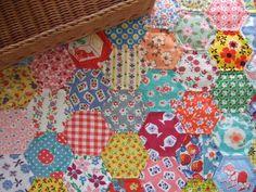 hexagon quilt, hexi quilt, quilt idea