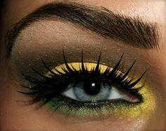 Yellow smokey eyeshadow #vibrant #smokey #bold #eye #makeup #eyes