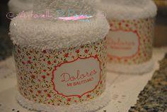 Detalles para el baño! Cupcakes de toalla personalizados http://antonelladipietro.com.ar/blog/2013/04/bautismo-cumple-rosado/