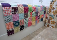Patchwork bathmat. towel as backing. Would be awesome in the bathroom or by the kitchen sink.  Such a great idea. ❤