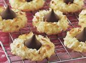 Kisses Macaroon Cookies