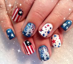 A very impressive 4th of July nail style. #USA