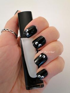 Googly Eye Nail Art #divinecaroline #nailart #nails #naildesign #halloween #nailpolish