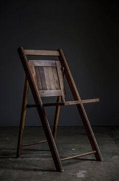 Wooden seats and chairs si ges en bois on pinterest for Chaise bercante antique