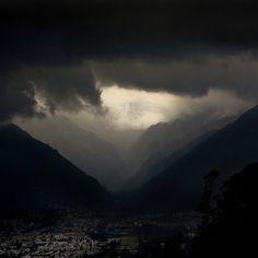 Tempestad sobre la ciudad by Romulo fotos, via Flickr