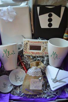 Unique Engagement Gift, Wedding Engagement Gift Idea - wedding countdown clock, wedding planning checklist / #engagement #party #gift