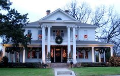 Pictures Of Christmas Houses | Christmas House