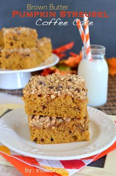 Brown Butter Pumpkin Streusel Coffee Cake - brown butter, pumpkin, and streusel make this coffee cake amazing  www.insidebrucrewlife.com