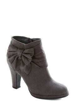 bow booties